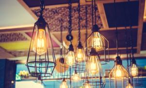 Moderní závěsný svítidlo