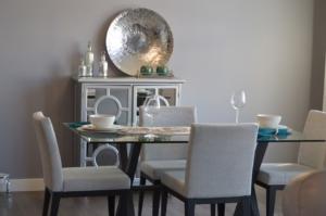 Jídelní stůl skleněný