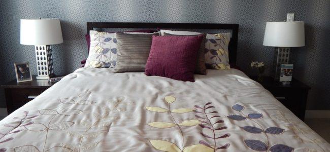 Fialový ložní textil