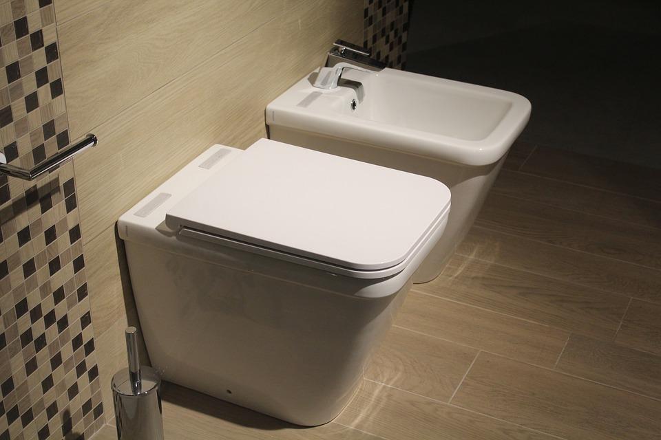 Toaleta a bidet