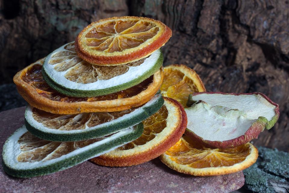 citrusy sušené v sušičce ovoce