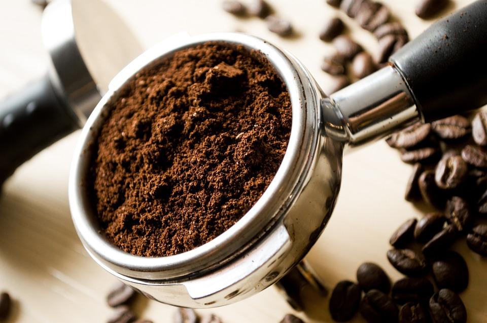 Jednoduchá příprava kávy v kávovaru