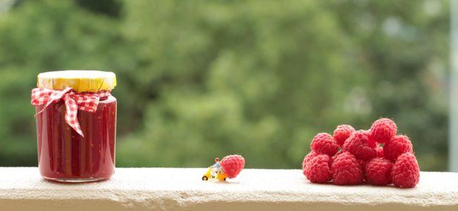 Malinová marmeláda zavařovací hrnec
