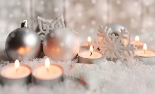 Vánoční dekorace vyrobené doma
