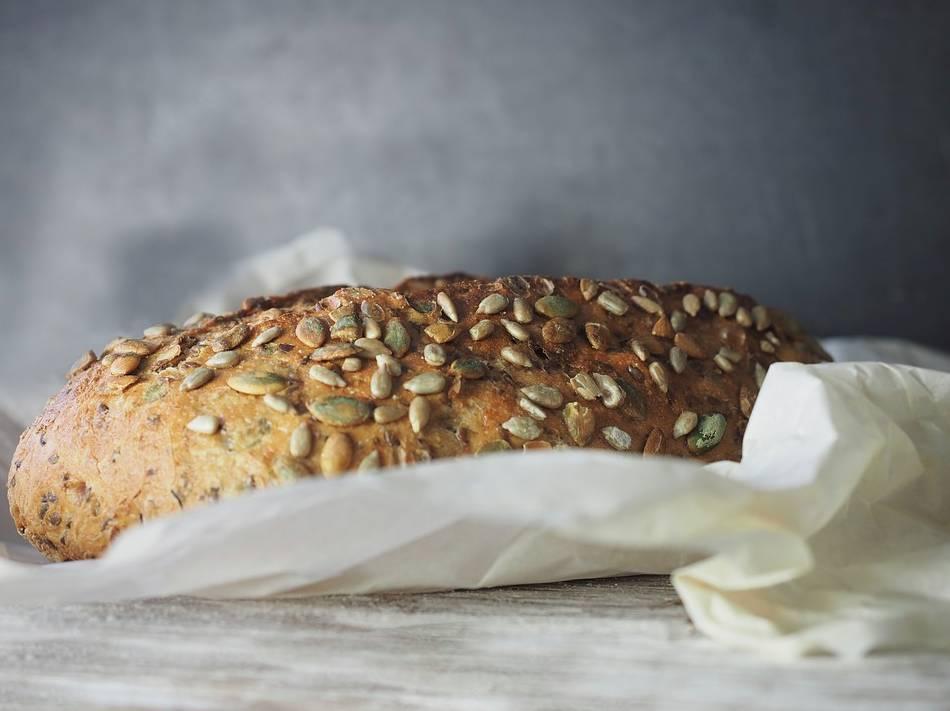 Čerstvý chléb z domácí pekárny