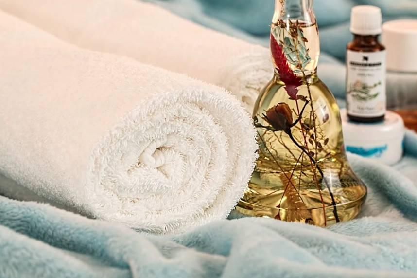 Domácí wellness se neobejde bez masáží a olejů