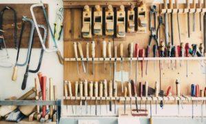 Jak na úklid garáže, sklepa a podobných prostor?