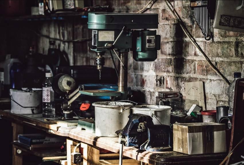 Úklid garáže či sklepa už vás děsit nemusí