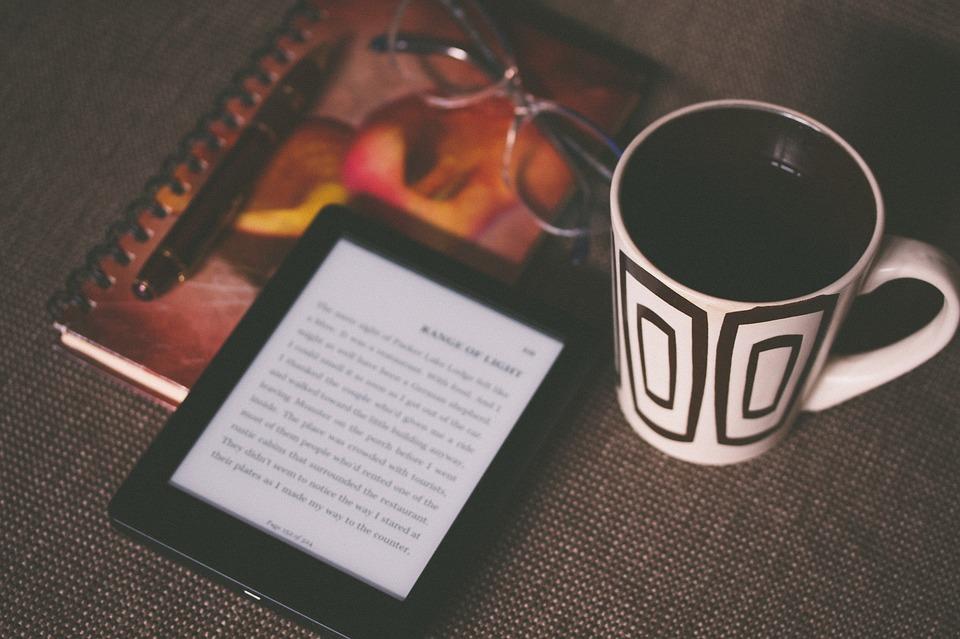 Je lepší e-kniha, nebo papírová kniha?