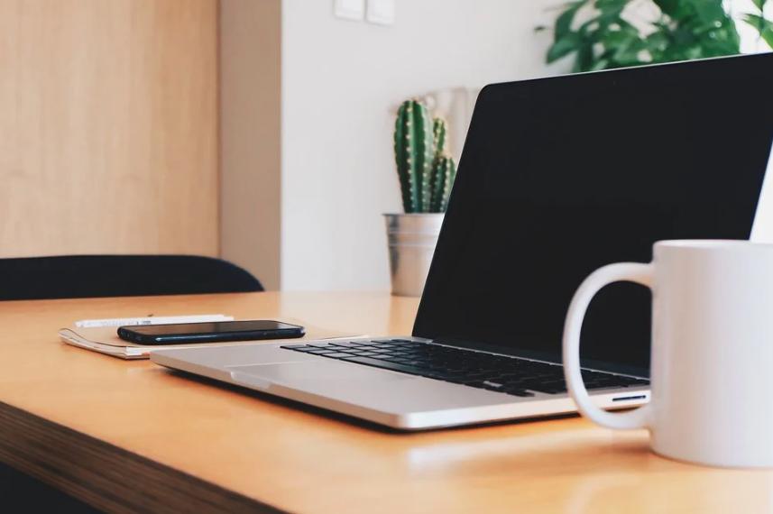 Je lepší notebook, nebo stolní počítač?